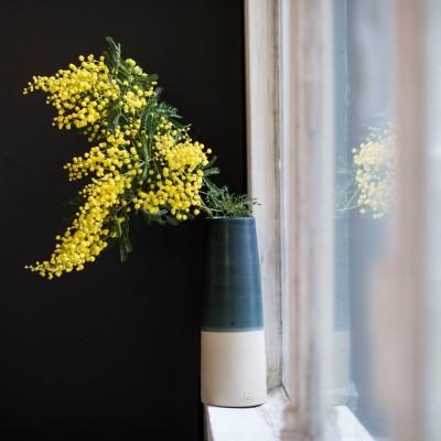 vase conique Sibérie et grès. Photo : Empreinte Paris