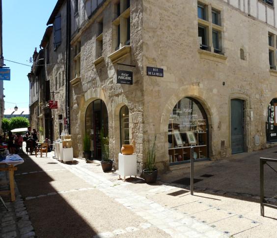 L'atelier, à l'angle de la rue de la Bride et de la rue de la Selle
